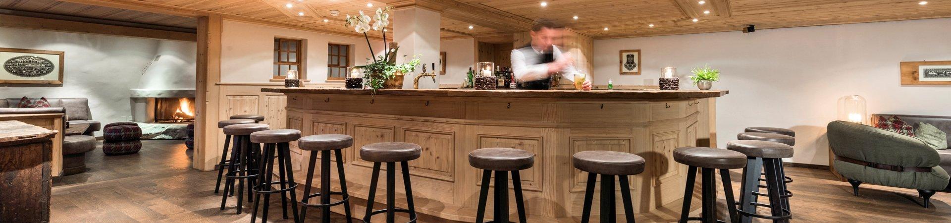 Bar & Kamin - Romantik Hotel Hornberg Saanenmoeser Gstaad Romantik ...