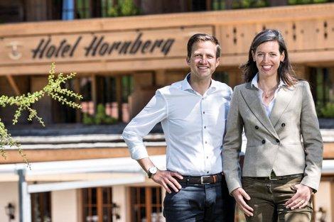 romantik-hotel-hornberg-gstaad-sommer-christian-brigitte-huettli