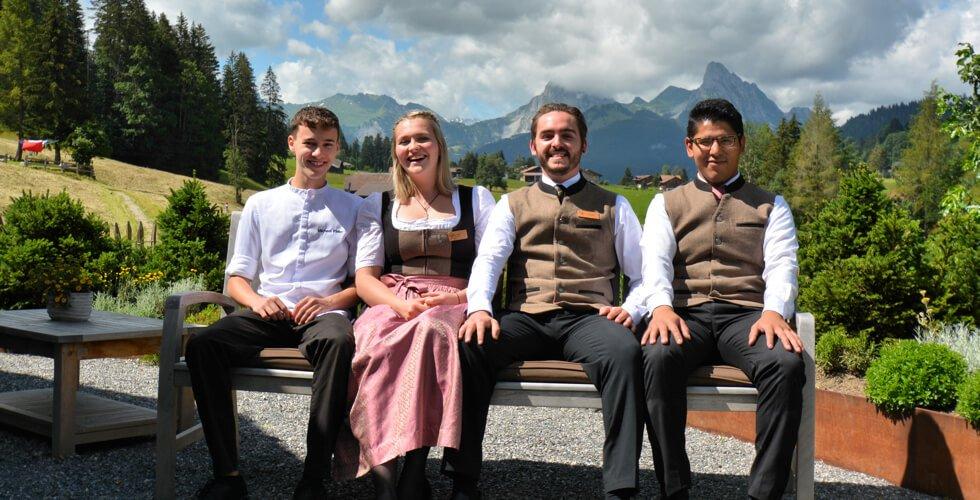 Glückwunsch: 4 Lernende mit erfolgreichem Abschluss!